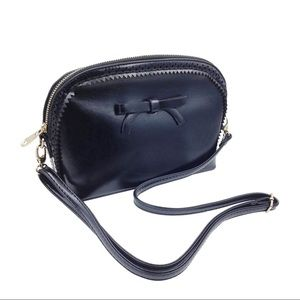 Black ancient bow small purse